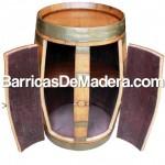 Mueble bar hecho con barricas de madera usadas