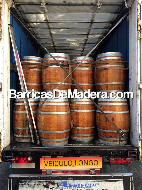 barrels-for-planters-garden-toneles-vino-usados