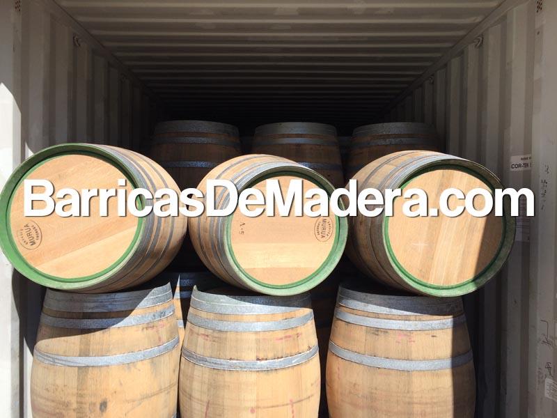barrels-truck-oak-wooden-weinfass
