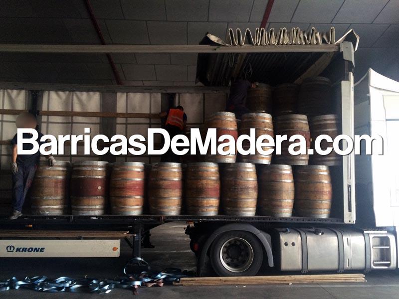 full-truck-load-used-barrels-225