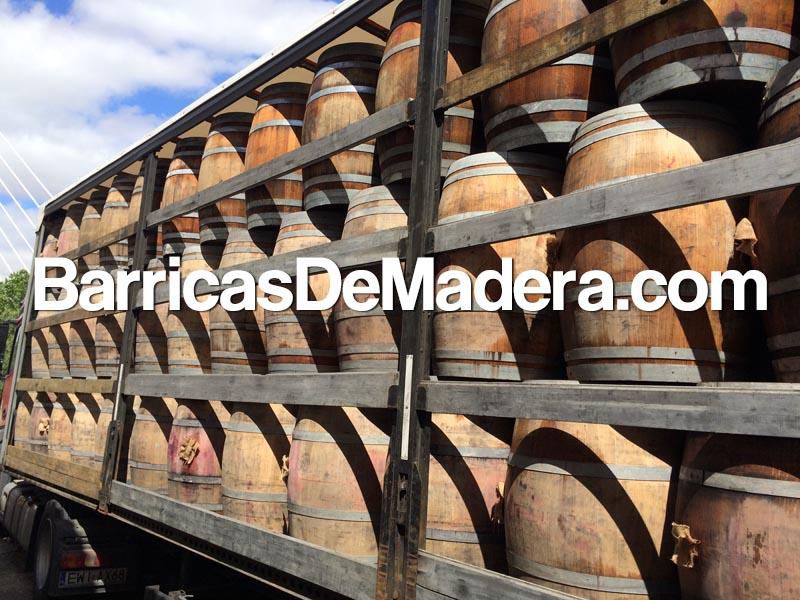 full-truck-used-barrels-oak