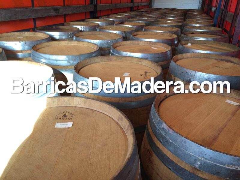 used-barrels-casks-full-truck (3)