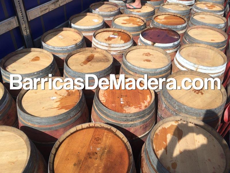used-oak-barrels-wine-barreli-vinnie-bochki