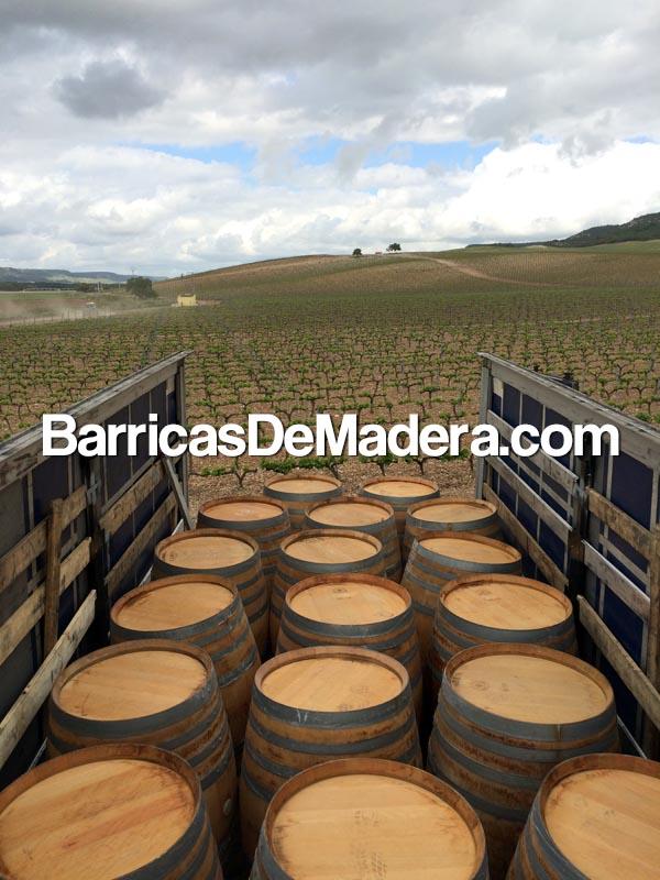 vinnie-bochki-used-wine-barrels