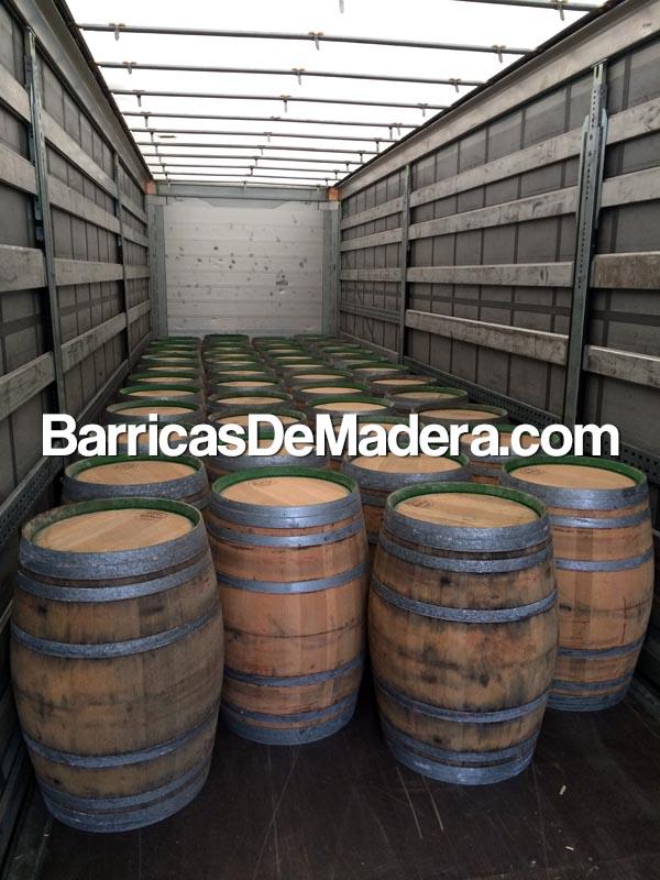 wine-oak-barrels-casks-wine-weinfass