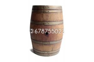 Barricas de 225 litros - Acabado: barniz nogal