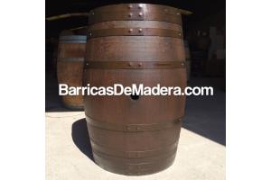 Barricas de 225 litros - Acabado: barniz nogal oscuro